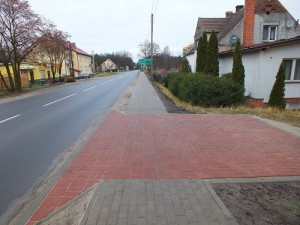Dychów – chodnik